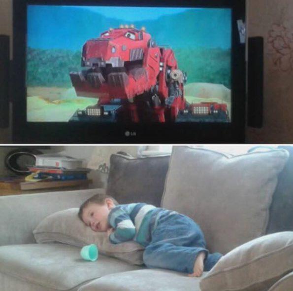 child watching dinotrucks