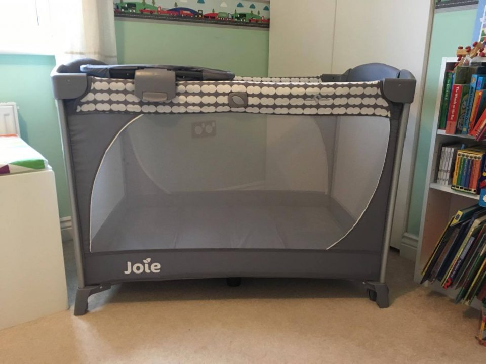 Joie travel cot set up