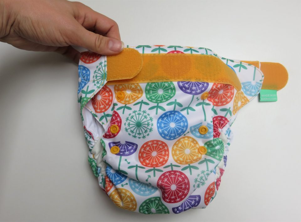 showing how the easyfits reusable nappies do up