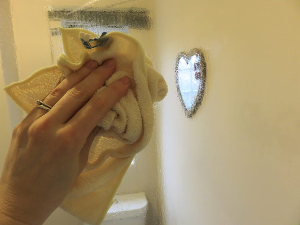 cleaning the shower screen