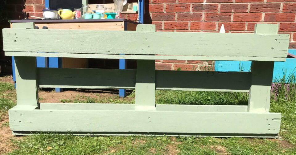 the painted pallet planter