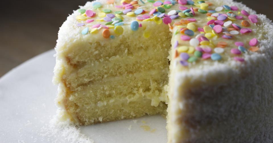 spomge cake with sprinkles
