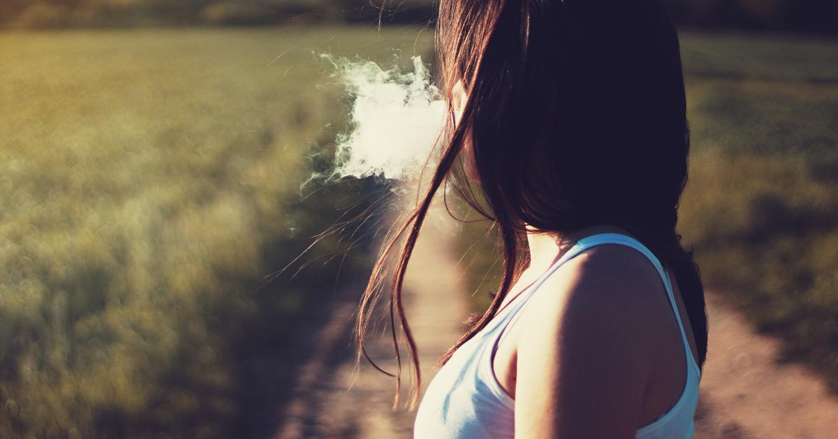 quit smoking a lady secretly smoking