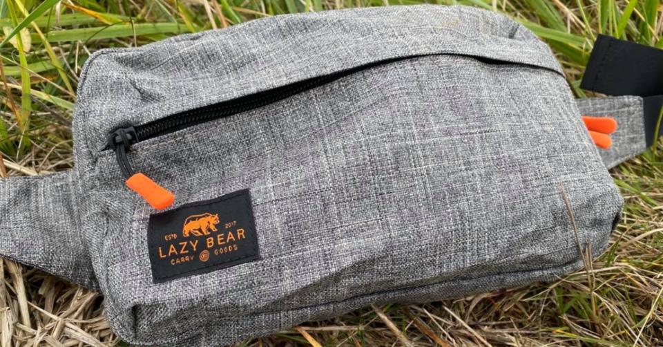 lazy bear foldable bum bags in field